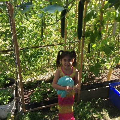 As a mermaid, Cassidy grows Sea cucumbers & green beans In her water garden