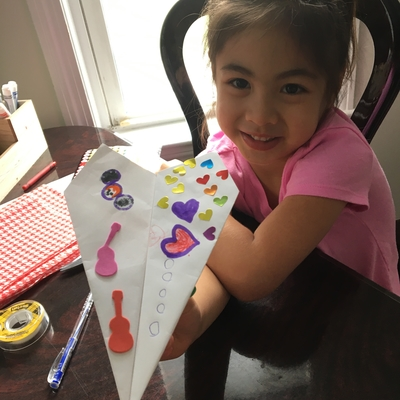 Cassidy decorates her plane w/ Ms. Kelsey