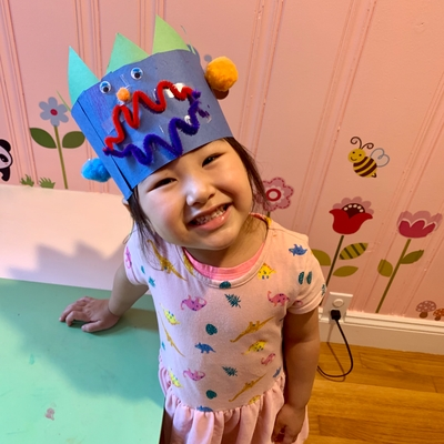 Averie and her spiky Dino crown!